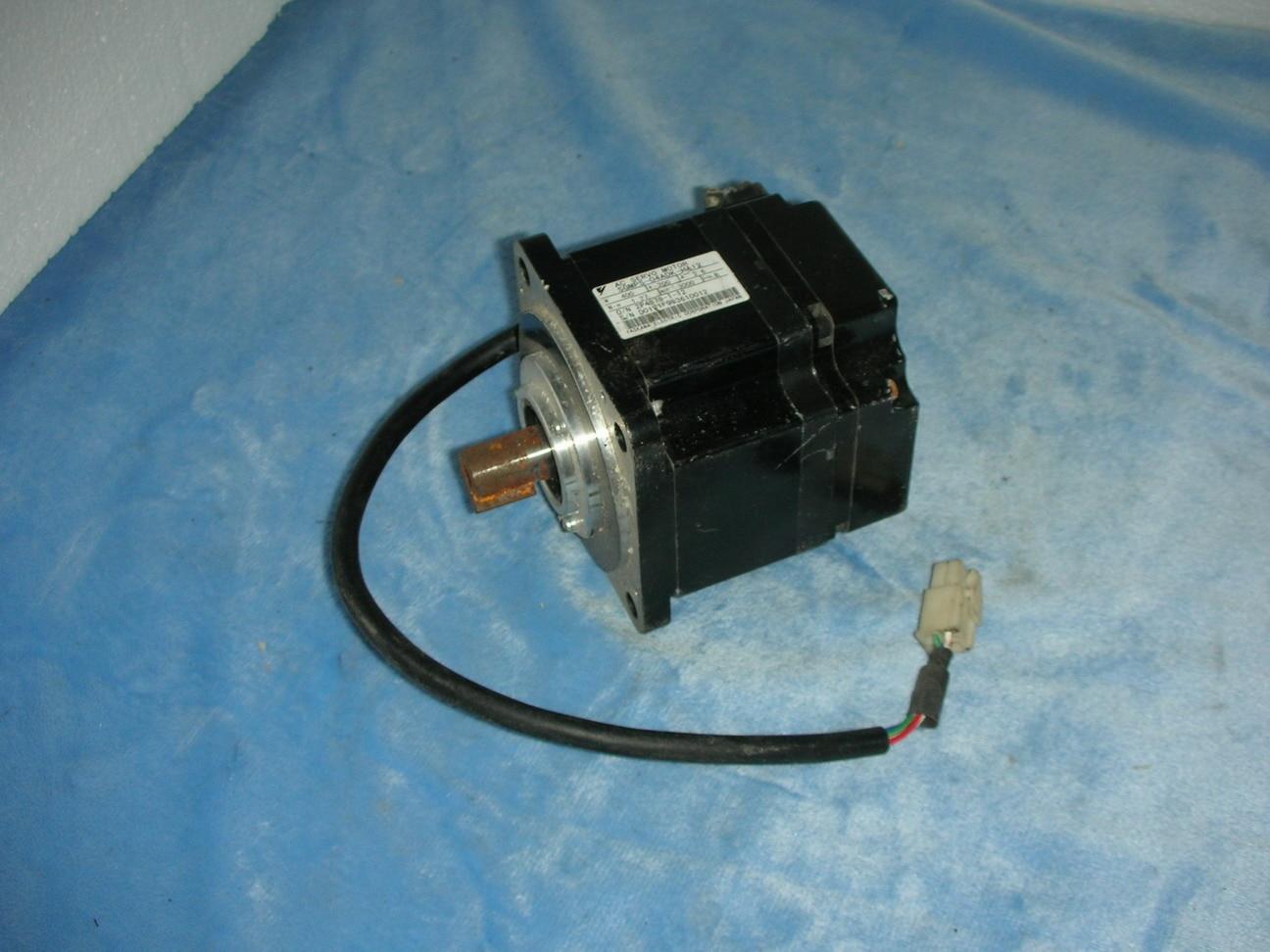 Yaskawa servo motor SGMPS-04ADK-HA12Yaskawa servo motor SGMPS-04ADK-HA12