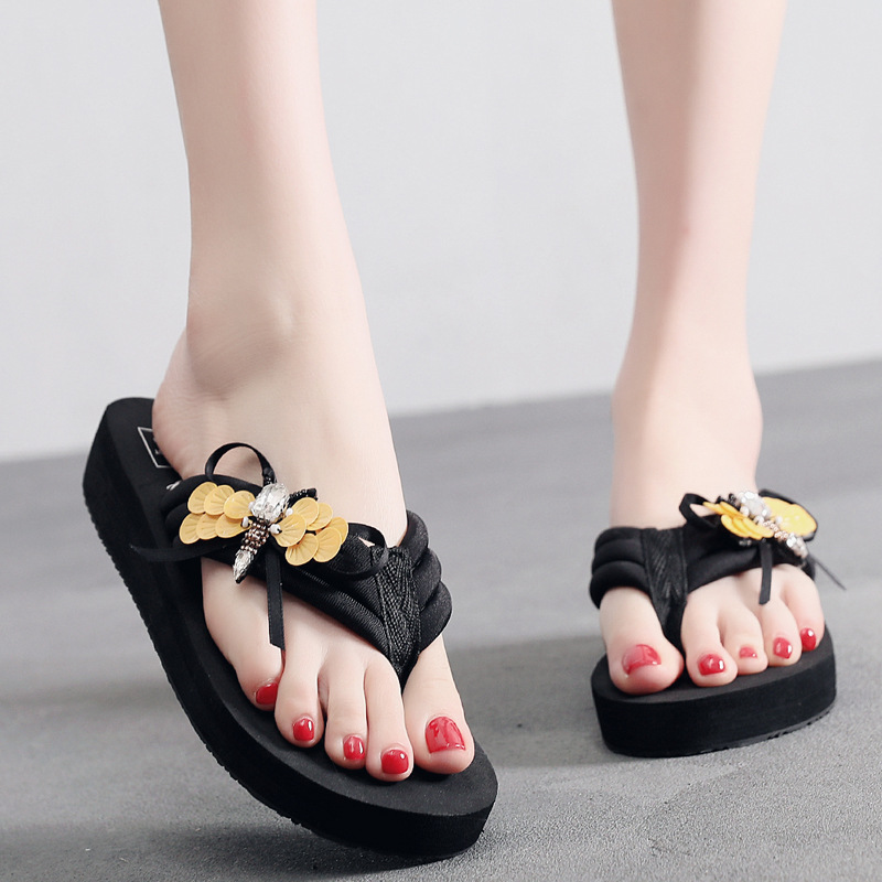 Women Summer Fashion Wear Sandals Beach Shoes Non-slip Slippers Cool Household Wear-resistant