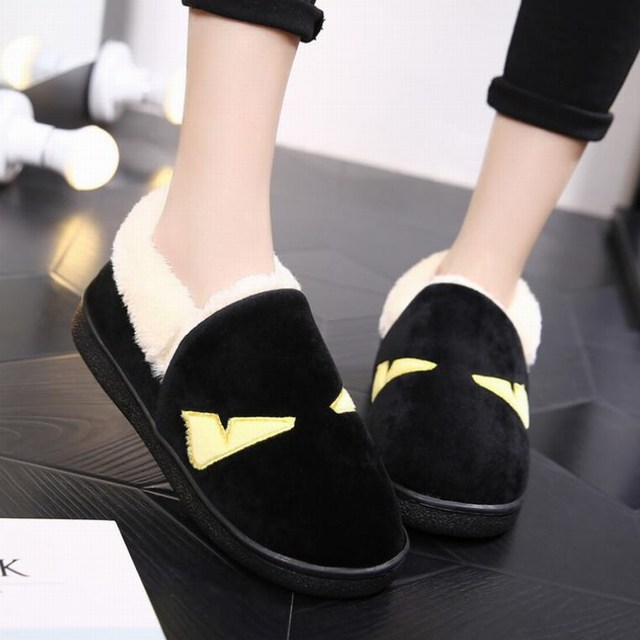 Caliente! nuevo estilo del invierno women ' s Casual resbalón caliente poco pequeño diablo monstruo pisos nieve botas de plataforma perezosos zapatos negro