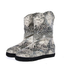 2017 Women's Classic Snakeskin Snow Boots  Women Winter Warm  Snow boots Ankle Slip on Leather Ankle Boots For  Girls