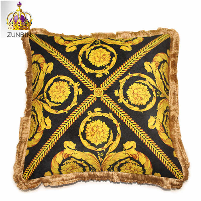 High-end Royal Europe Rich Italy New Design 2019 Printed Rococo Horse Gold Red Wedding Cushion Covers Luxury Pillow Case