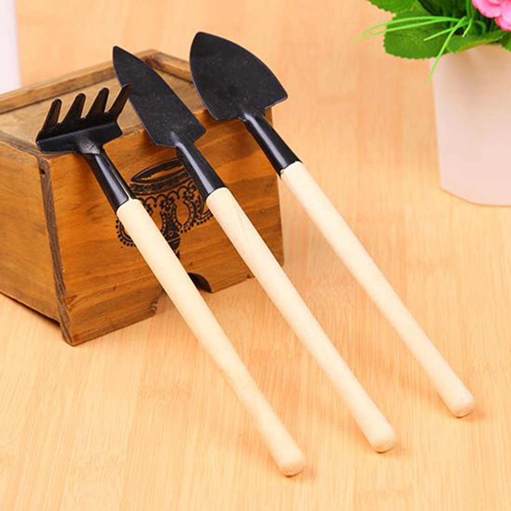 Three-Piece Durable Garden Tool Set Cast-Aluminum Head For Digging Weeding Loosening Soil Aerating Transplanting