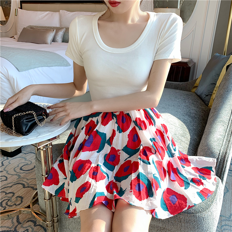 new joker cultivate morality show thin elastic female T shirt + bust skirt of tall waist ruffle A word skirt outfit