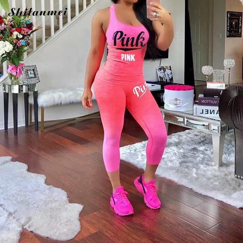 Artı boyutu 2 adet setleri kadınlar pembe mektup baskı yaz setleri karışımı T gömlek tankı üstleri dar pantolon eşofman rahat sıska spor takımı