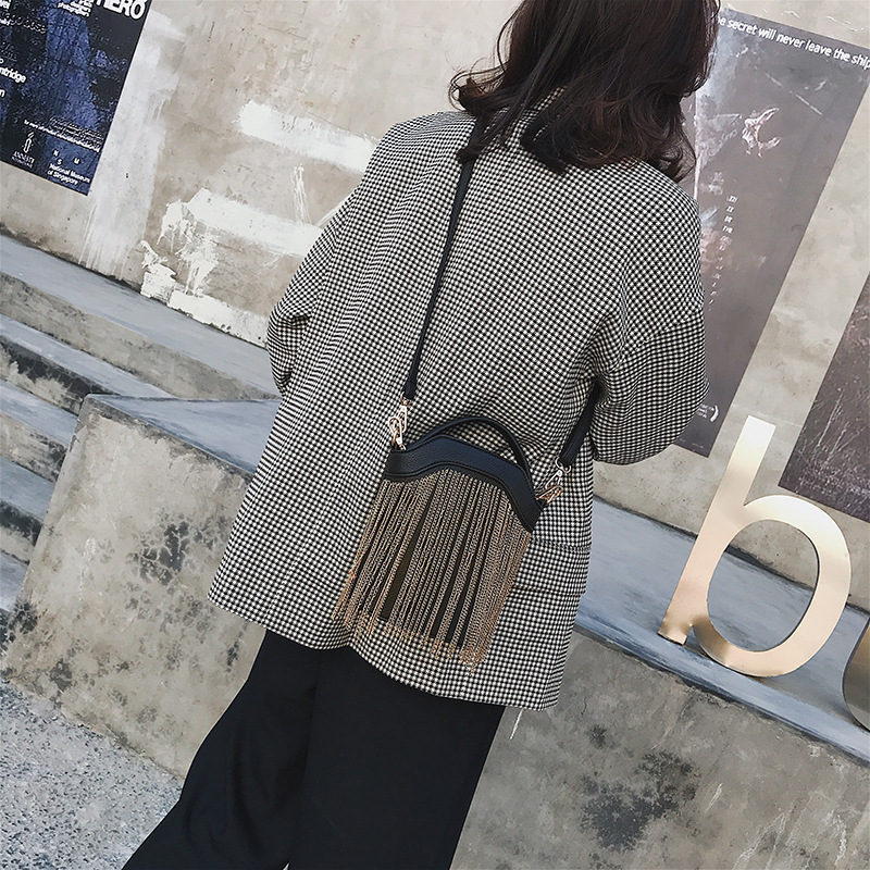 GYKAEO 2018 Winter Female Tassel Bucket Small Shoulder Bag Korean Style Fashion Shopping Women Messenger Bag Ladies Tote Bags 3