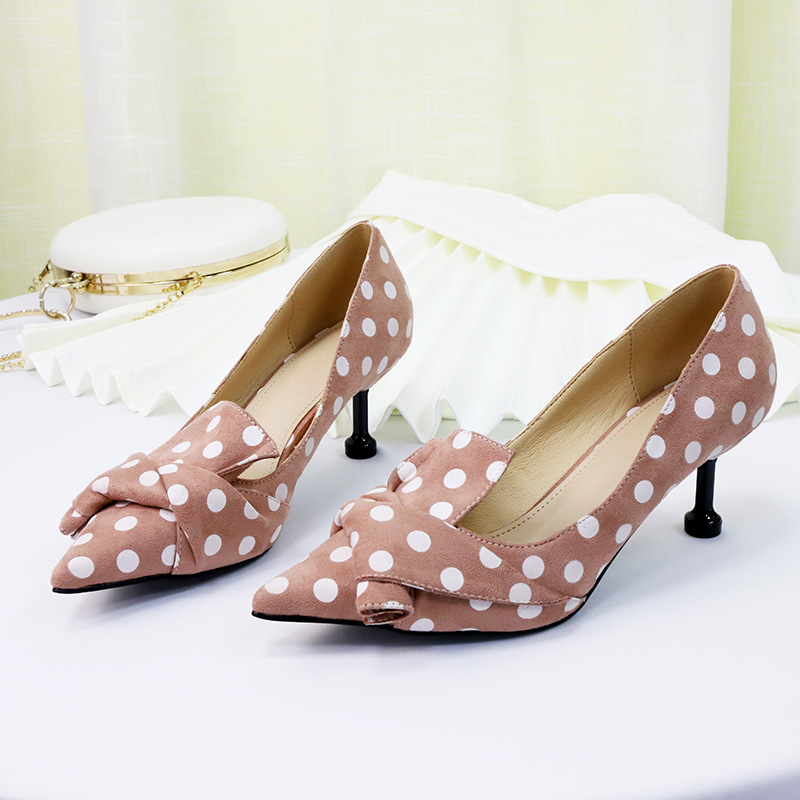 2019 new banquet fashion point polka dot high heels personality wild non slip fashion thin cat with single shoes women.