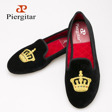 New Crown embroidery women velvet shoes party and wedding women loafers same style couple shoes fashion women's flats