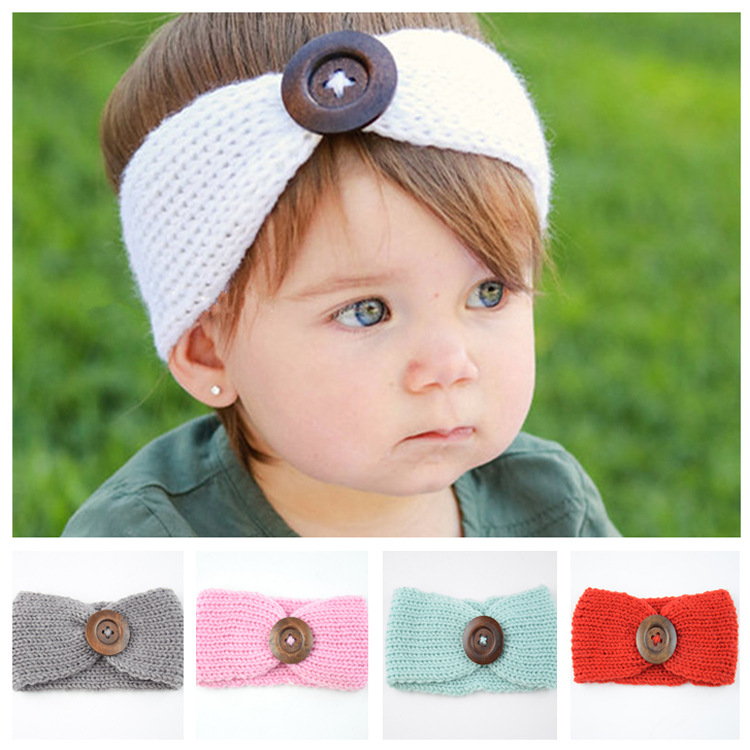 HANDKNITTED BABY HEADBAND  IN WHITE with FLOWER ON CLIP