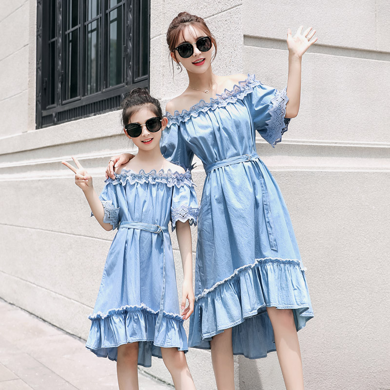 2018 Off Shoulder Washing Jean Daughter Mother Dress Happy Family Matching Dress Mom Daughter Clothing Summer A Line Slim Dress women fashion off the shoulder slim fit dress