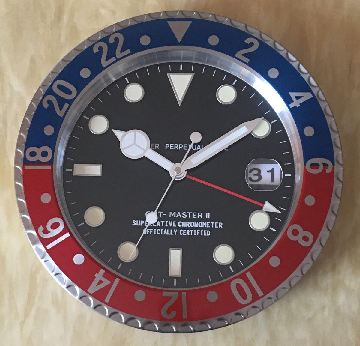 S & F Met Vergrootglas Retail Metalen Horloge Vorm Wandklok met Kalender Luxe Klok op De Muur - 2