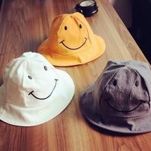 Cappelli per bambini primavera ed estate smiley ragazzi e ragazze della  spiaggia cappelli cappello pescatore del 1d4d01c43d47