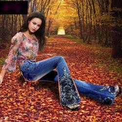 Весенние роскошные вышитые бисером джинсы со средней талией, большие расклешенные женские сапоги с вышивкой, кружевные расклешенные джинс...