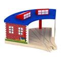 Moda casa De Madeira Trilho de trem Tomas e Amigos Railwayt slot de estacionamento brinquedos para o bebê