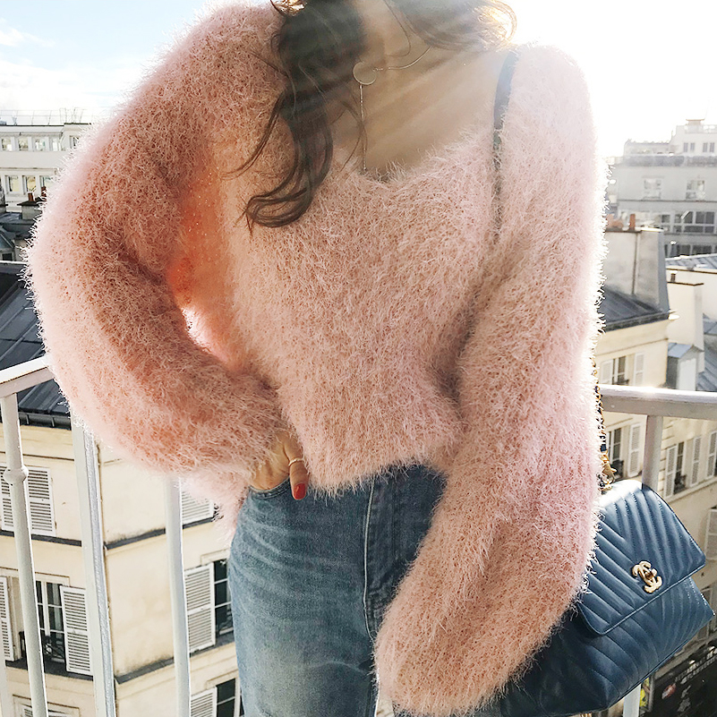 Women Sweaters and Pullovers 2019 Winter Mohair Warm Oversized Sweater V Neck Knitted Sweater Women Pull Femme Jumper
