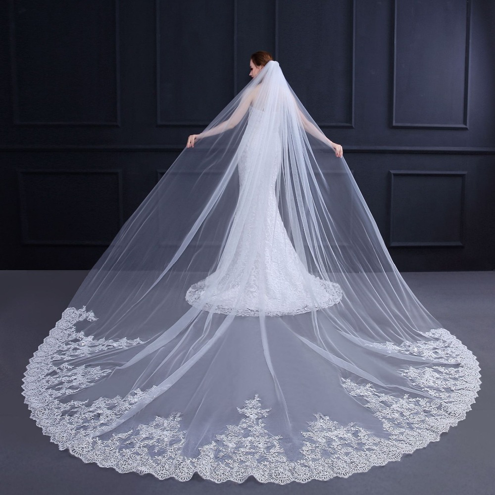 2019 Fast Shipping Cathedral Bridal Veil Lace Wedding Accessories Hot Sale Wedding Veils With Comb