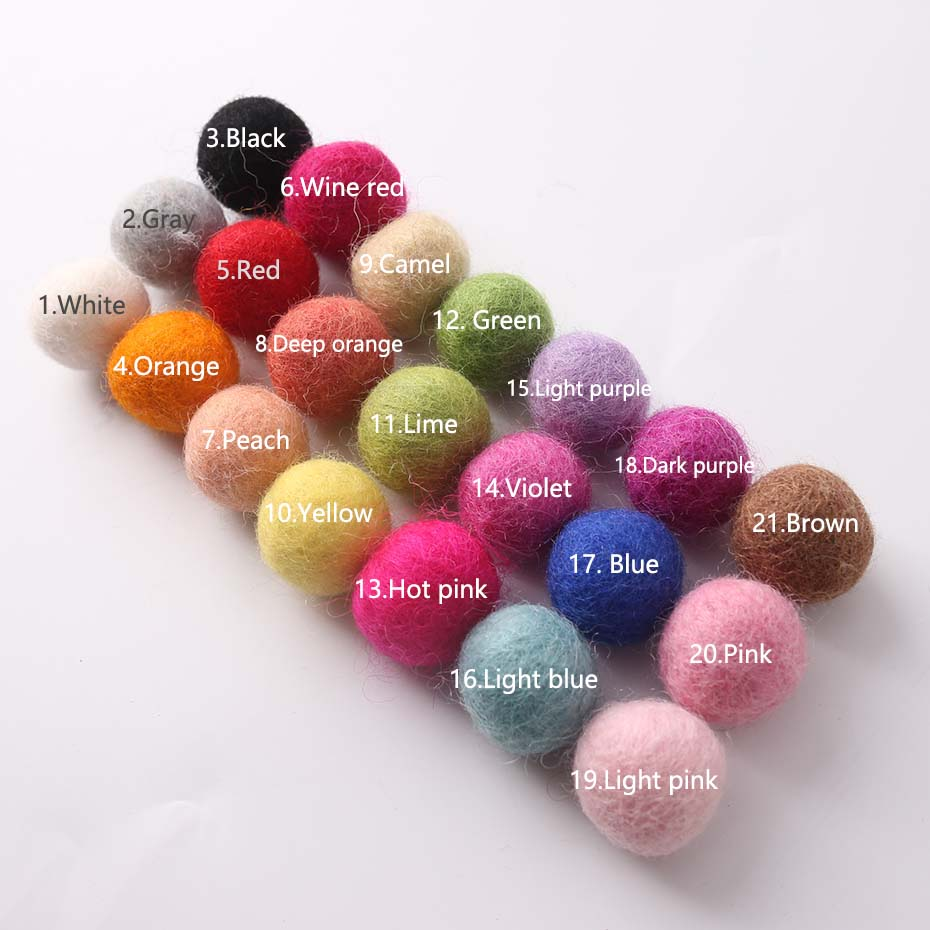 100PC 2cm Arts Nd Crafts Children's Toys Christmas Wall Wool Felt Balls Colorful Birthday Party DIY Accessories Decor Room