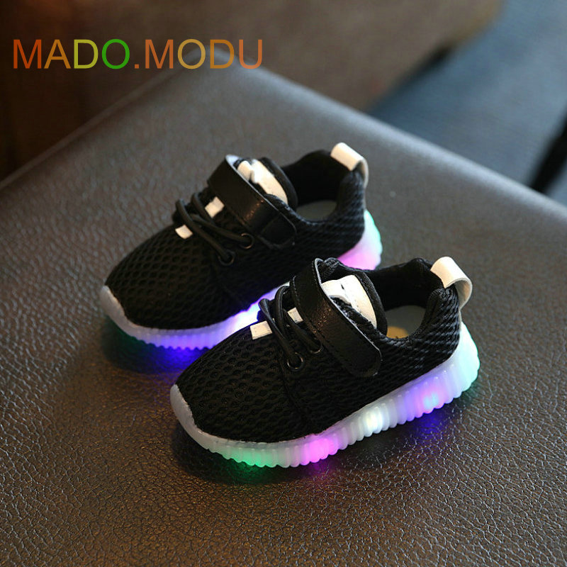 Children Shoes With Light Chaussure Led Enfant 2017 Spring New Kids Sports Shoes Breathable Boys LED Sneakers for girls in Sneakers from Mother Kids