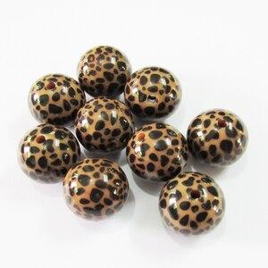 Image 2 - Neueste 20mm 100 pcs/lot Chunky Acryl Braun Leopard gedruckt Perlen