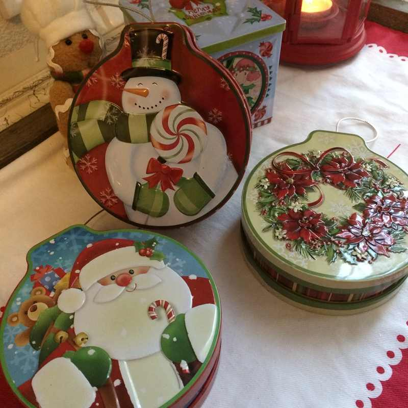 Creative Christmas Gift Tin Box with Lid Handmade Candy Tin Candy Boxes Thick Small Kids Nursery Gifts,Xmas Ornaments Tin Cute