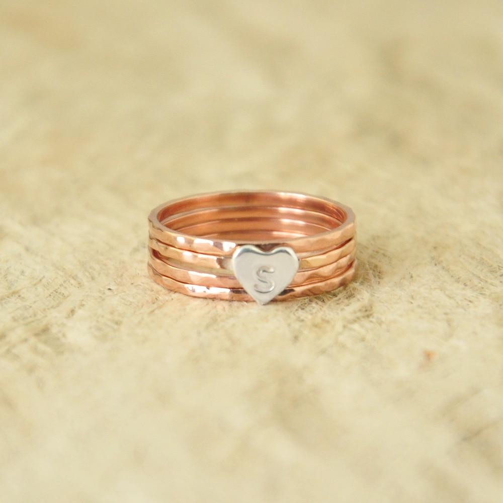 Initiales personnalisées bijoux martelé coeur empilage anneaux cadeau d'anniversaire argent Rose empilage coeur cadeau pour elle