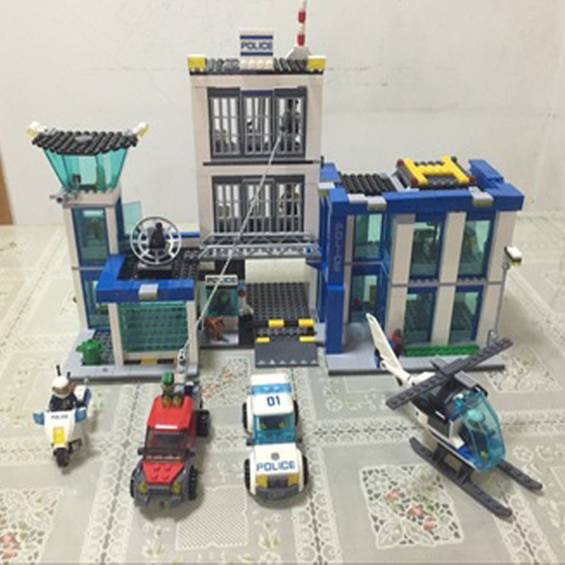 2018 Bela 60047 Urban Police Station building bricks helicopter jail cell Compatible fugitive figures Models blocks Classic Toys 519pcs city police station building blocks action figures set transform robot compatible with 60047 for kid gift