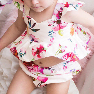 2PCS Ruffles Newborn Baby Clothes 2017 Summer Princess Girls Floral Dress Tops Baby Bloomers Shorts V-Neck Outfits Sunsuit 0 24m floral baby girl clothes set 2017 summer sleeveless ruffles crop tops baby bloomers shorts 2pcs outfits children sunsuit