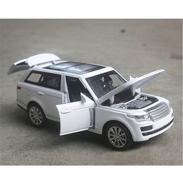 1/32 Range Rover Diecast Alloy Car Model Four-door Sound light Pull back inertia High-end High Simulation Toys Gifts Collections