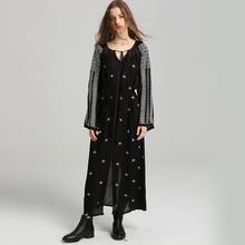 Летнее платье с v образным вырезом и вышивкой