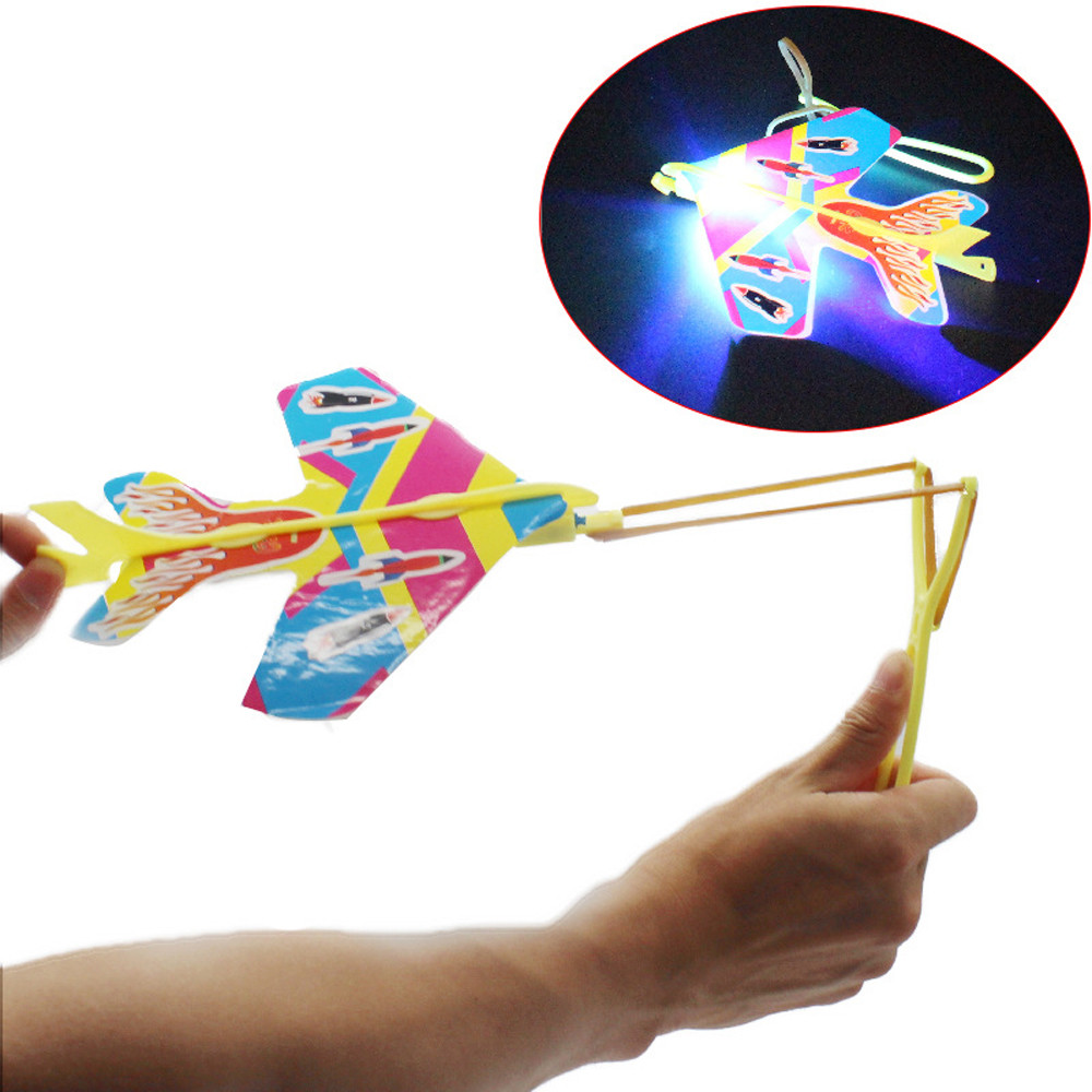Airplane Toy Children Foam Aircraft Model Diecast 16cm Cyclotron Light Hand Slingshot Aircraft Outdoor Toys For Kids L0605