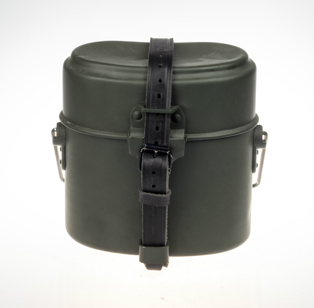 Mon Armée allemande late war. WWII-WW2-GERMAN-MILITARY-ARMY-OUTDOOR-M31-CANTEEN-MESS-TIN-WITH-BLACK-LEATHER-STRAP-DE-102101