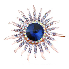 Hot Sale Korean Fashion Style Austria Crystal Brooches Gold Plated Sunflower with Rhinestone Brooch Pins for Women Gitf