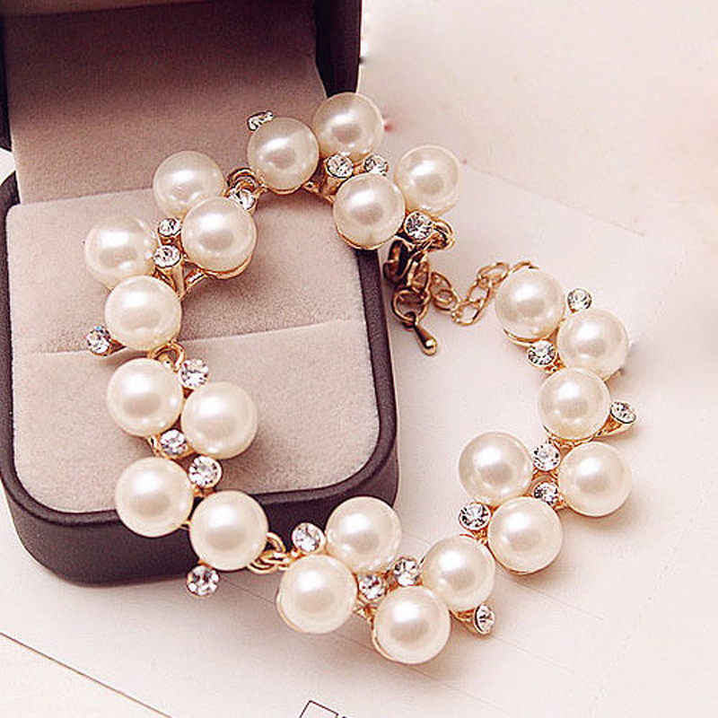 Charm Bracelets Golden Simulated Pearl Crystal Beads Bangle Wedding Jewelry  Accessories Gift c4e2832ca5af