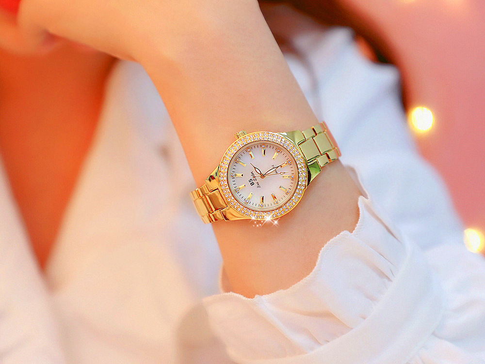 Montre Or et strass