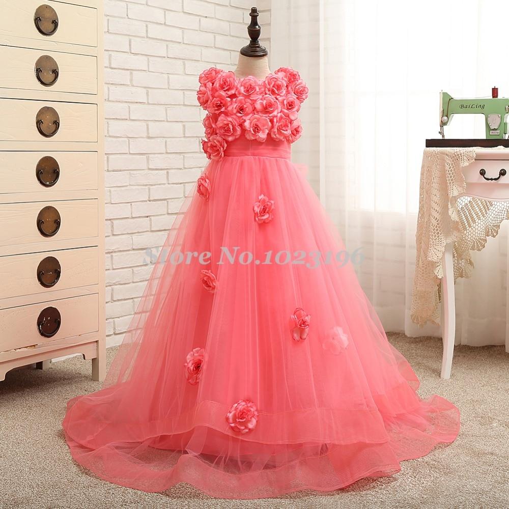Ausgezeichnet Kleid Für Kleine Mädchen Für Eine Hochzeit Fotos ...