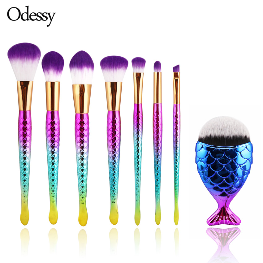 8 st Mermaidformad Makeup Brush Set Big Fish Tail Foundation Pulverögonskugga Makeupborstar Konturblandning Kosmetiska borstar