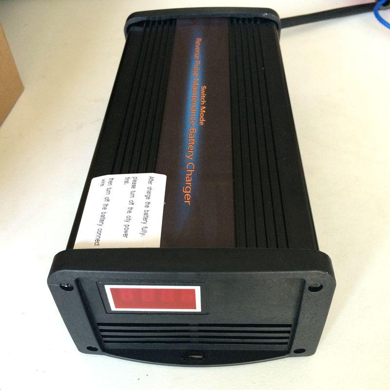 Prix pour 48 V 30A Haute Fréquence Pulse Desulfation Chargeur De Batterie de Voiture en sept étapes de la Sans Entretien Au Plomb-Acide Batterie Chargeur 90-180AH