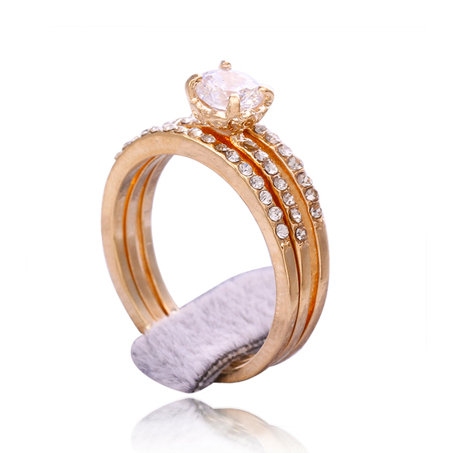 d4843e5e7a99 3 unids set anillos de boda para hombres y mujeres chapado en oro de acero