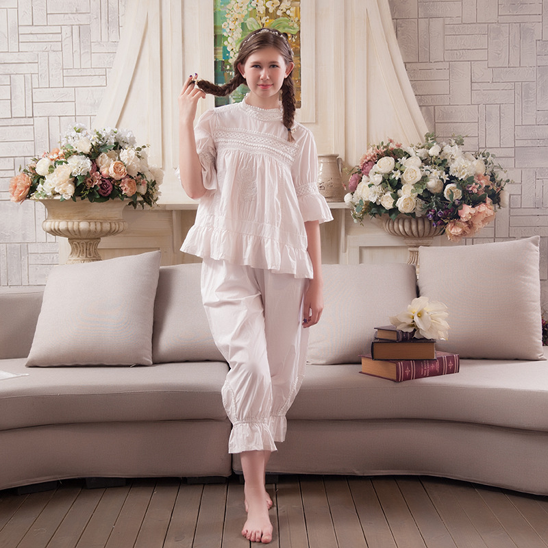 2017 New Nightgowns Sweat Warm Sleepwear Korean Girl Lace Pajamas Lovely leisure pajamas Cotton Robes For Women Nightgowns Sets