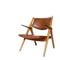 Дизайнерское деревянное кресло с аутентичной кожаной обивкой