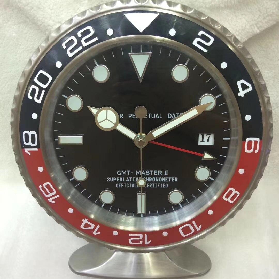 Horloge de Table en forme de montre en métal avec des caractéristiques lumineuses avec mécanisme silencieux horloges murales au Design moderne avec Logo