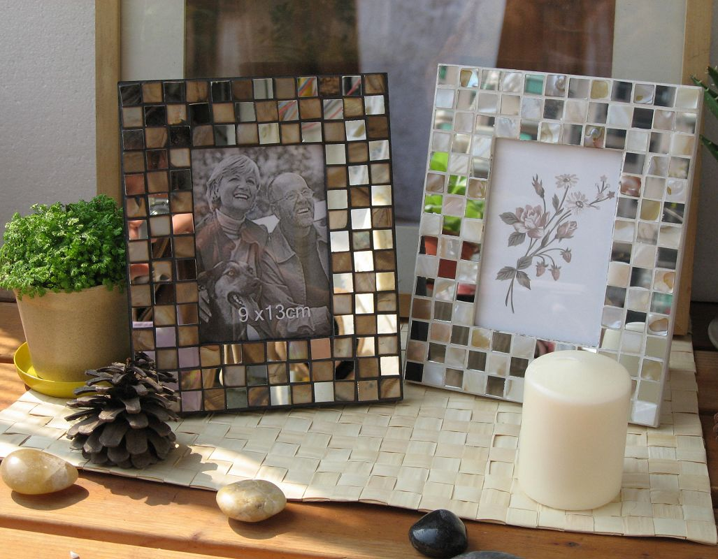 Fashion table foto frame shell mosaic frame glass inlaying for How to display picture frames on a table