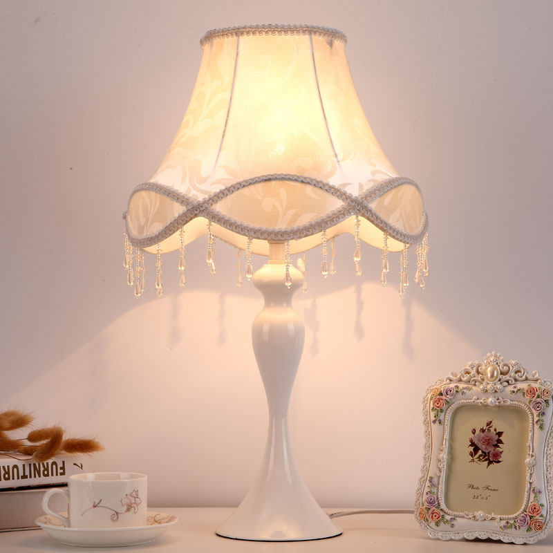 The bedroom lamp bedside pendant lamp creative minimalist modern warm light wedding room cozy European style desk lamp ZA ZL510 european pastoral village glass desk lamp bedroom bedside lamp warm modern minimalist creative flowers desk lamp free shipping