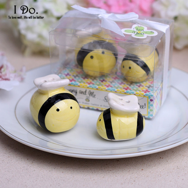 free shipping bee salt & pepper shaker wedding favors and gifts
