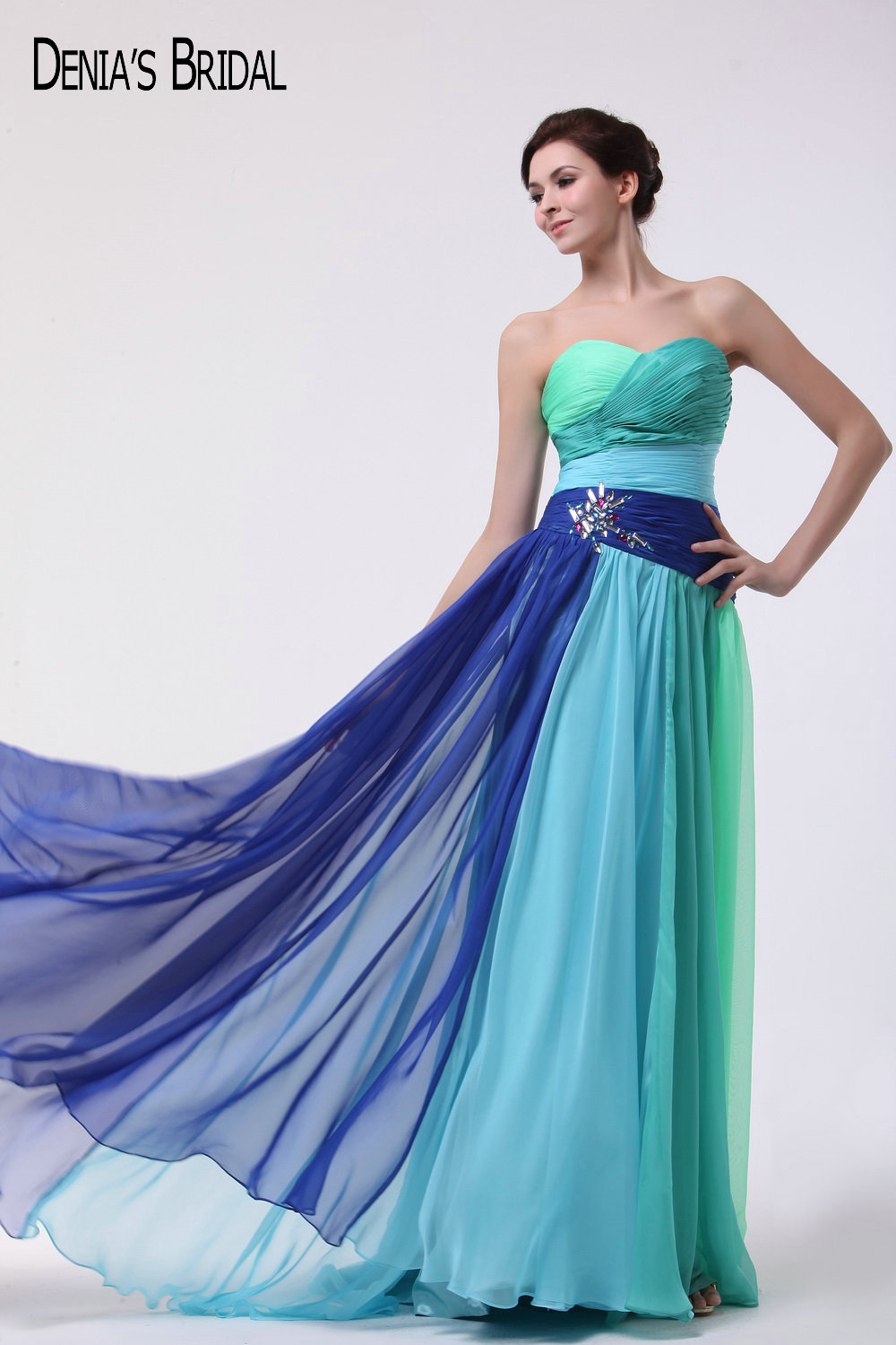 2017 Colorful A-line Evening Dresses with Halter Neckline Beaded Floor Length Sweep Train Party Prom Gowns