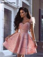 Блестящий украшенный розовым бисером Арабская, Дубай коктейльные платья 2019 Милая пером на плечо по колено жемчуг платья для выпускного
