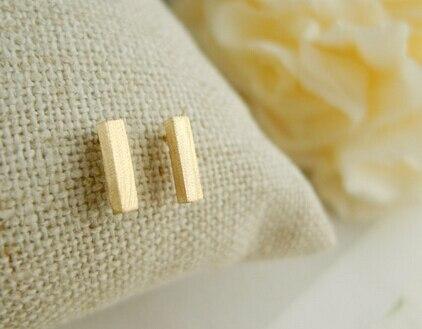 Venta Caliente Geométrica Cepillado T Bar Stud pendientes para las mujeres de M