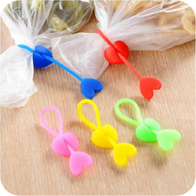 5pcs! Heart-shaped Silicone Food Bag wire banding tape Love Heart Tie Beam Port Bundled for home supplies(China (Mainland))