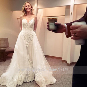 Image 1 - אלגנטי סקופ Sheer מחשוף מלא שרוולי נדן חתונת שמלה עם תחרת Applique ללא משענת כלה שמלת Vestido דה novia