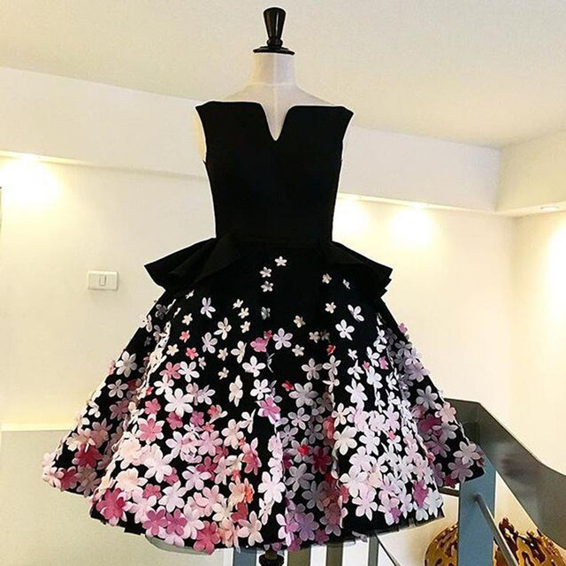 Elegant Mini Short 2017 New Sexy Ball Gown Black Pink Flowers Women Special occasion Cocktail Party Dress robe de cocktail