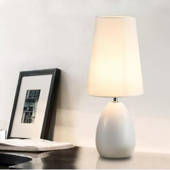 lamp modern minimalist bedroom bedside lamp Table Lamps Princess Wedding Garden creative luxury decoration lamp ZA FG761